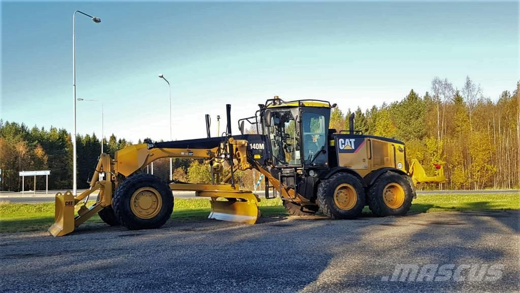 Caterpillar 140 M AWD