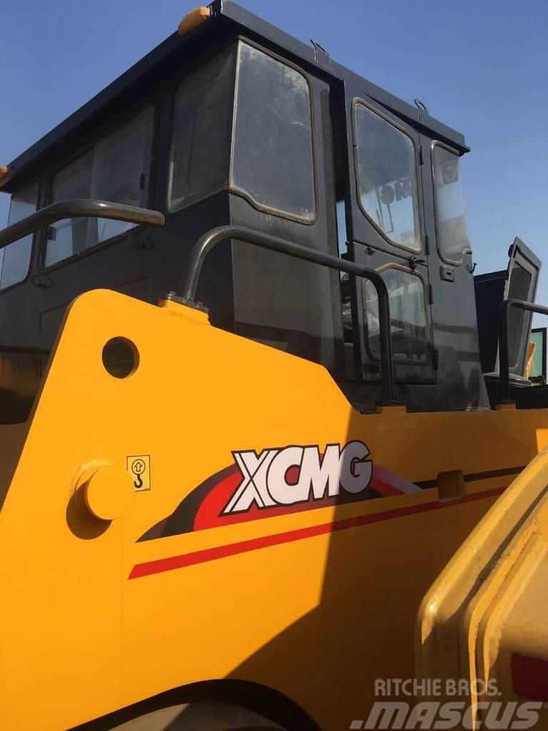 XCMG XP301