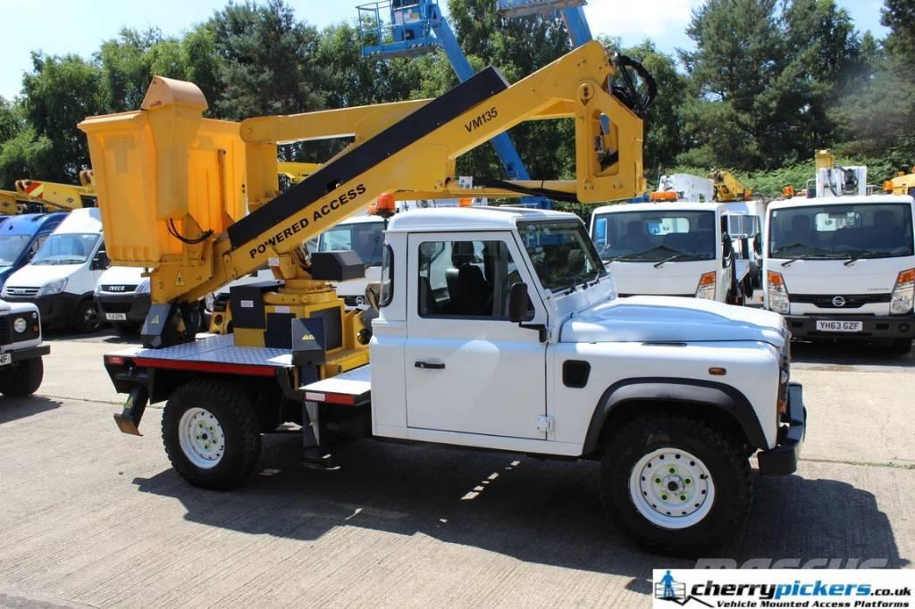 Land Rover DEFENDER POWERED ACCESS 135TDA