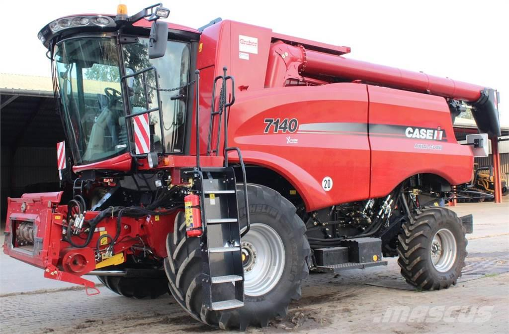 Case IH Axial-Flow 7140 Allrad X-Flow Cleaning