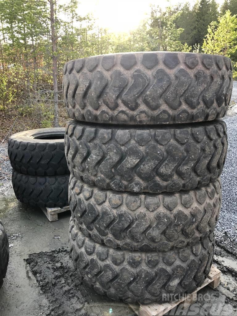 Michelin 4st 17,5R25 XHA däck 4500:-/st