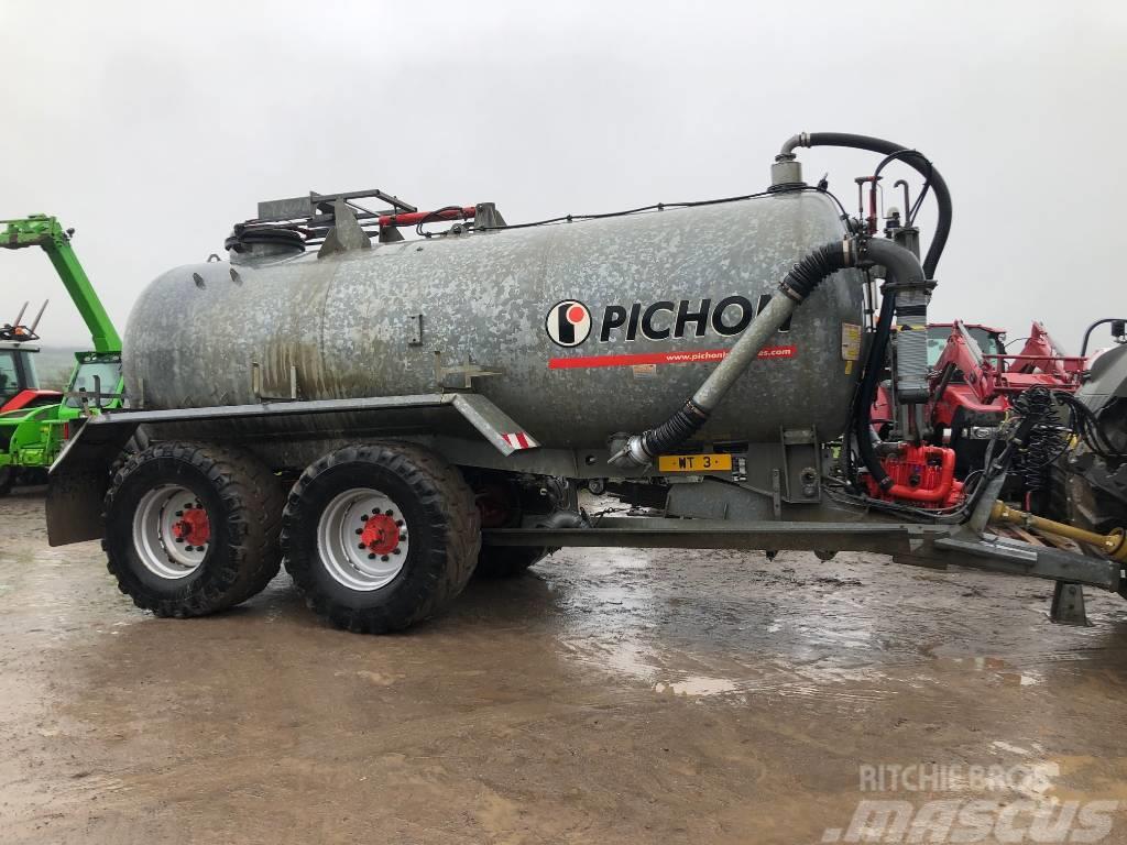 Pichon 3120G Tanker