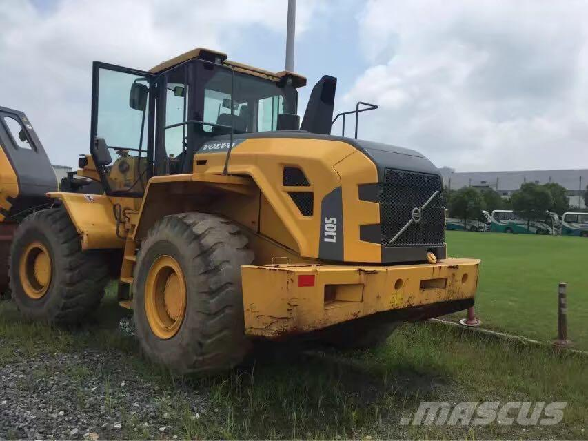 Volvo L105 (Wheel Loader)