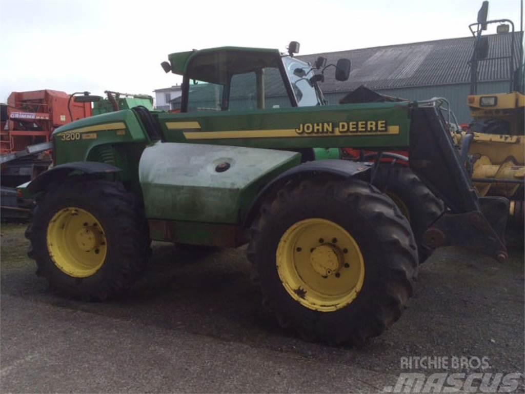 John Deere 3200