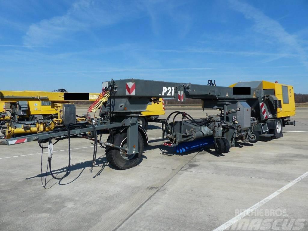 Bucher Schörling airport P21A Kehrblasgerät, Winterdienst