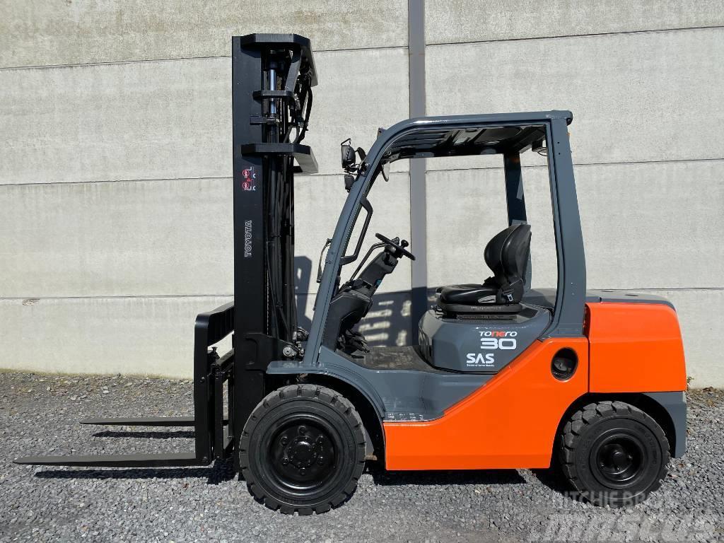 Toyota 02-8 FDF30