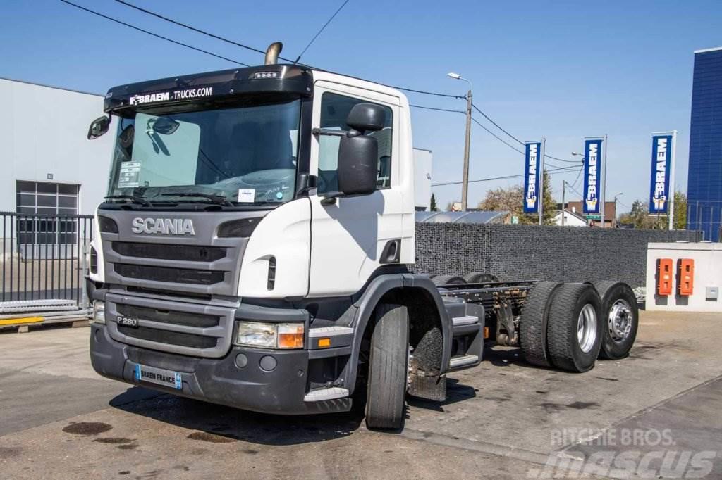 Scania P280 -6X2-4 (STEERING/GELENKT)