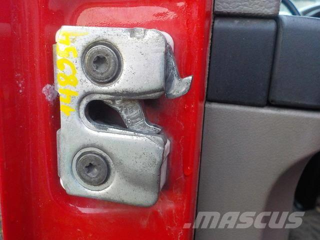 DAF XF105 Door lock 1296590