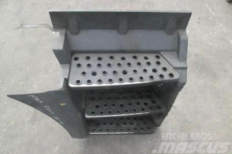MAN F2000 Step Box