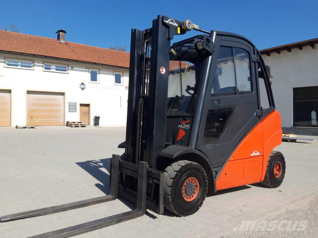 Linde H 25 Diesel Triplex
