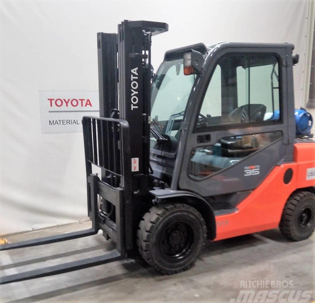 Toyota 8 FG F 30