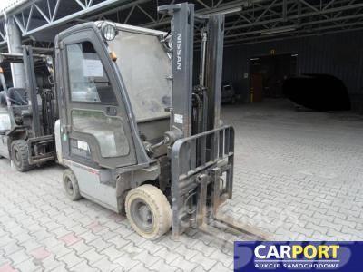 Nissan P1D1A15LQ wózek widłowy