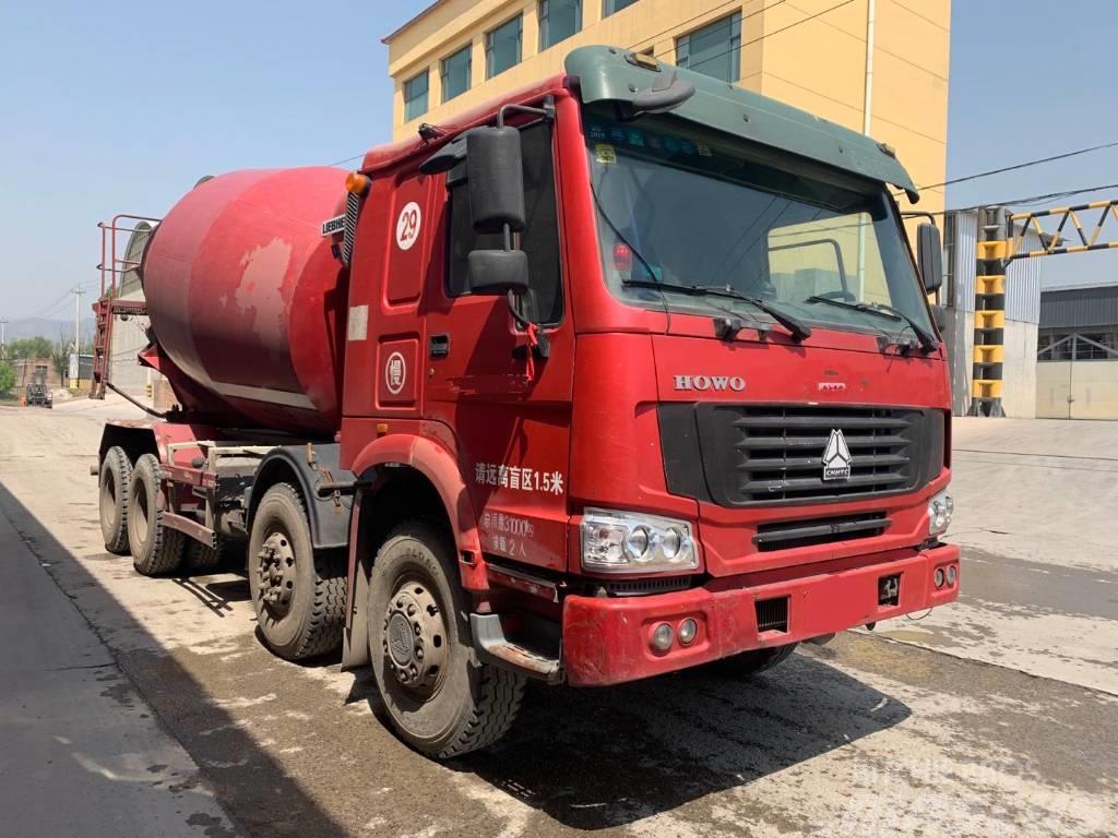 Liebherr Mixer truck