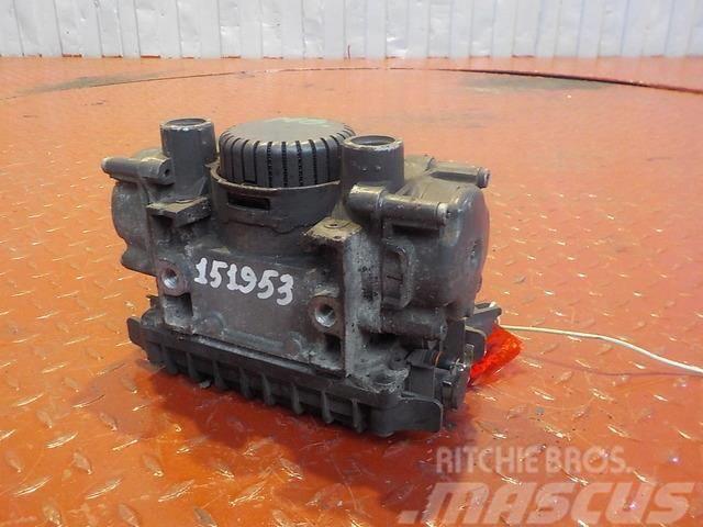 Mercedes-Benz Actros MPIII EBS modulator 4294224 0004293024 0004