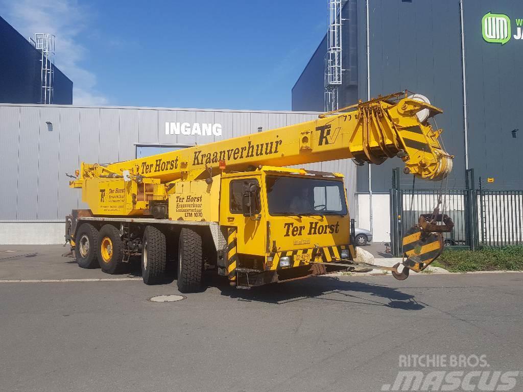 Liebherr LTM 1060  8x8x8x8
