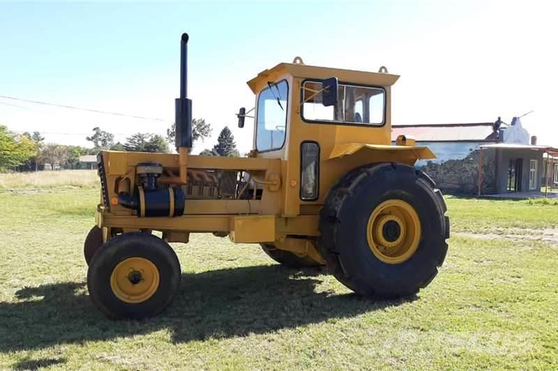 Bell 1756 TL Tow Tractor