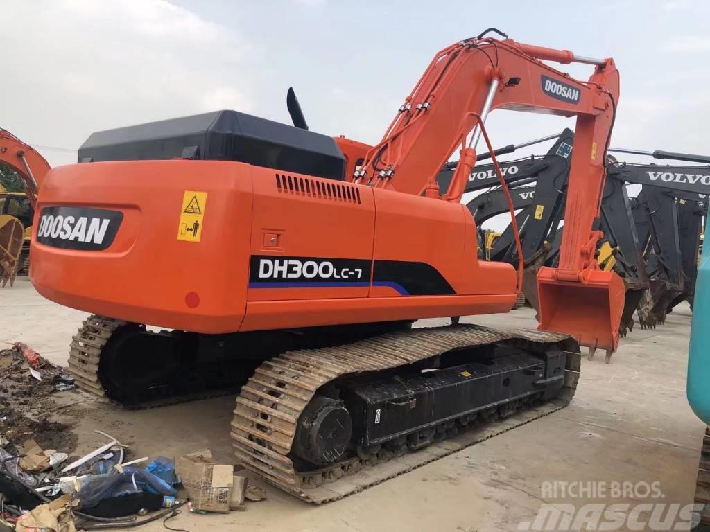 Doosan DH300-7履带挖掘机