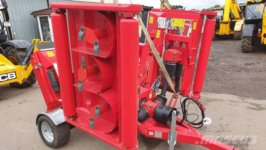 Trimax Snake Batwing Roller Finishing Mower