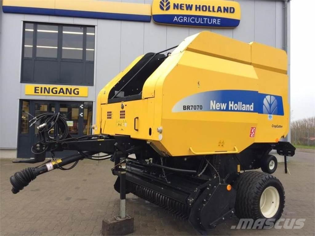 New Holland BR7070C