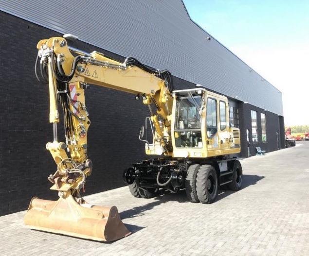Liebherr A 900 C ZW