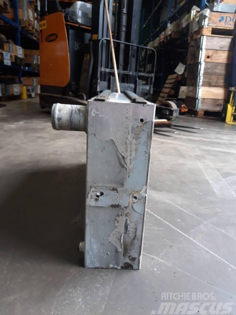 Valmet 901.3 water radiator