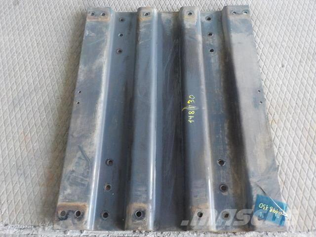 DAF XF105 Drilled mounting plate 1377192