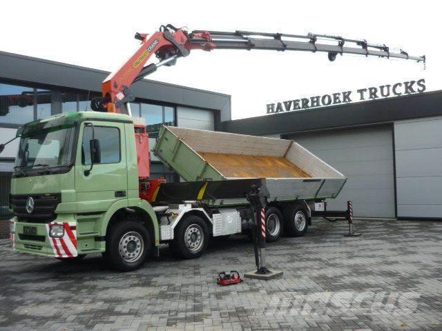 Mercedes-Benz 3241 8x2-6 2 side Tipper PK 44002 G Jib and Winch