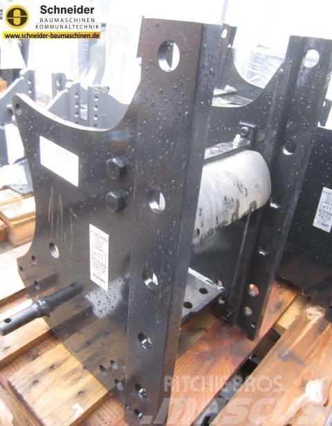 Kubota höhenverstellbarer Anhängebock W23TK00096