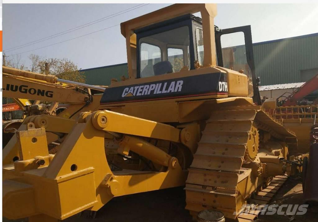 Caterpillar D7H-ii bulldozer