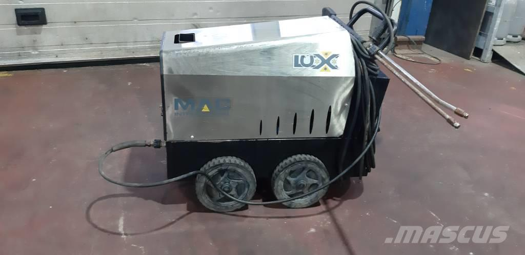 MAC Lux