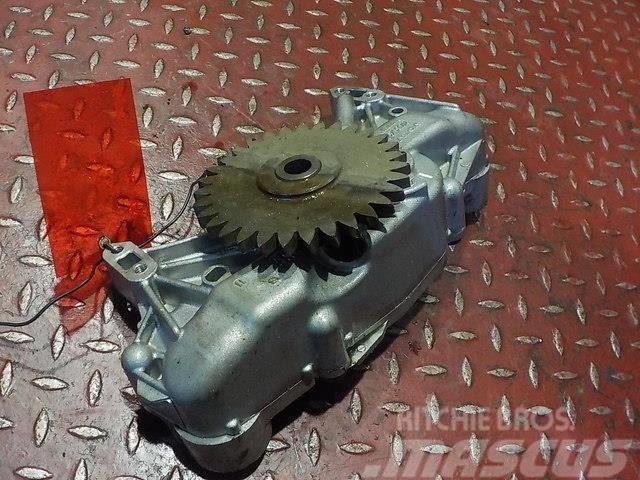 Volvo FH Engine oil pump 20498514 20824906 7421370410