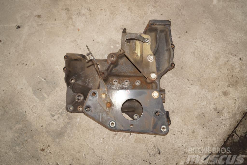 Renault Magnum DXI / Cab suspension bracket