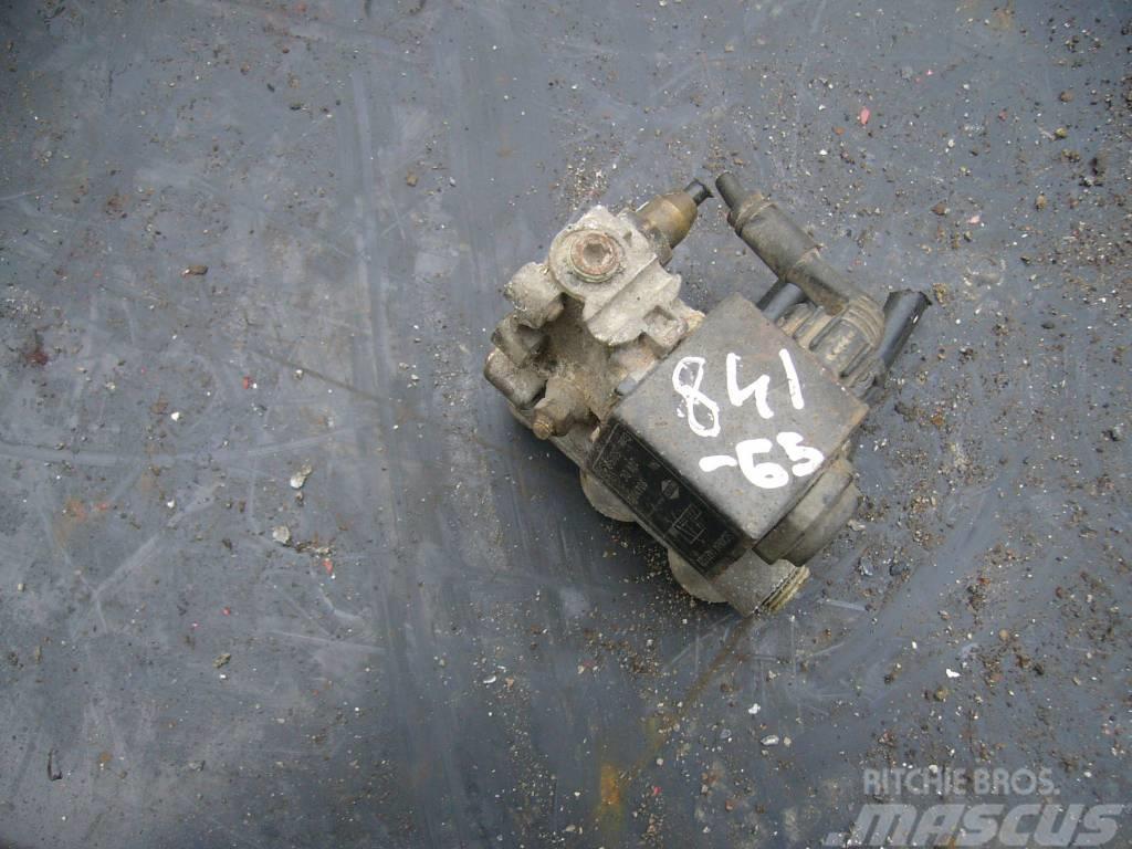 Scania 94 gearbox solenoid