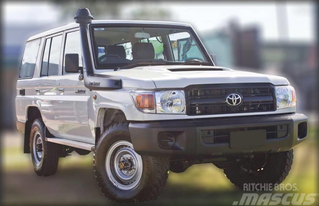 Toyota Land Cruiser 76 4.5D M/T WorkMate (RHD)