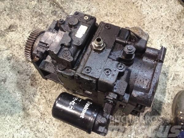 Valmet 890 Transmission pump