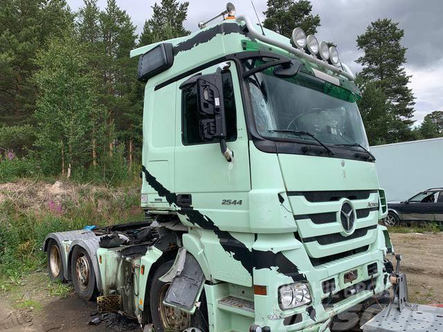 Mercedes-Benz Actros 2544 6X2 OM501LA FOR PARTS
