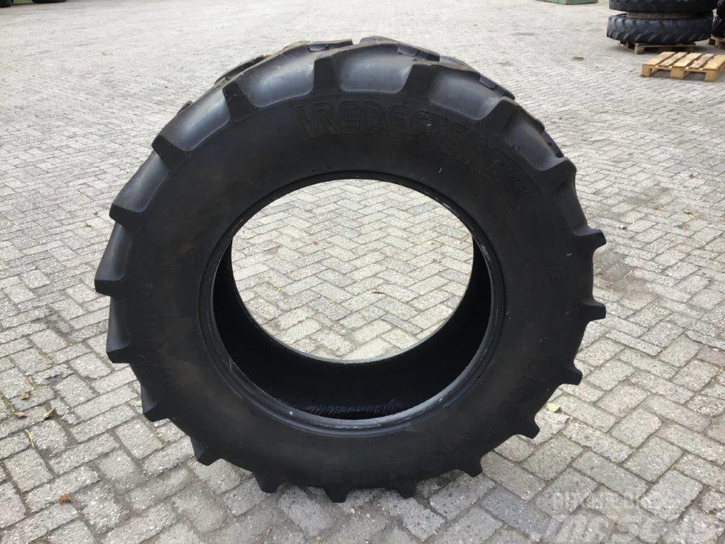 Vredestein 380/85R28