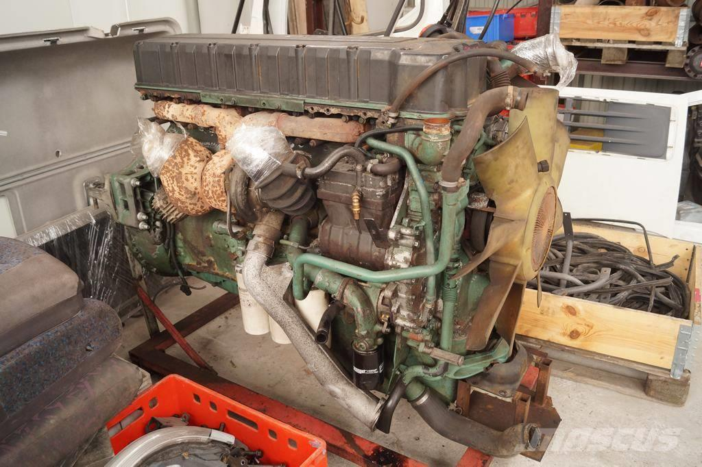 Volvo FH12 460 / Complete engine