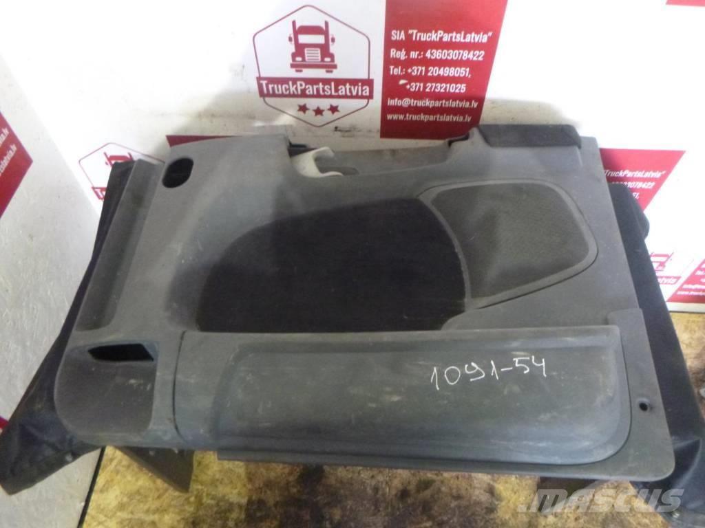Scania R440 Door assembly