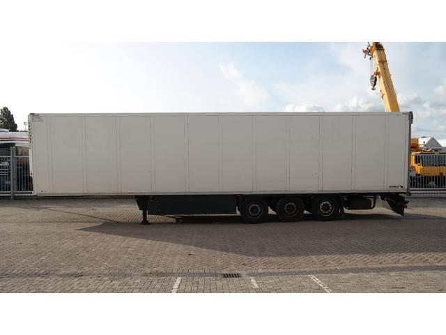 Schmitz Cargobull 3 AXLE FRIGO TRAILER THERMO KING SL 400
