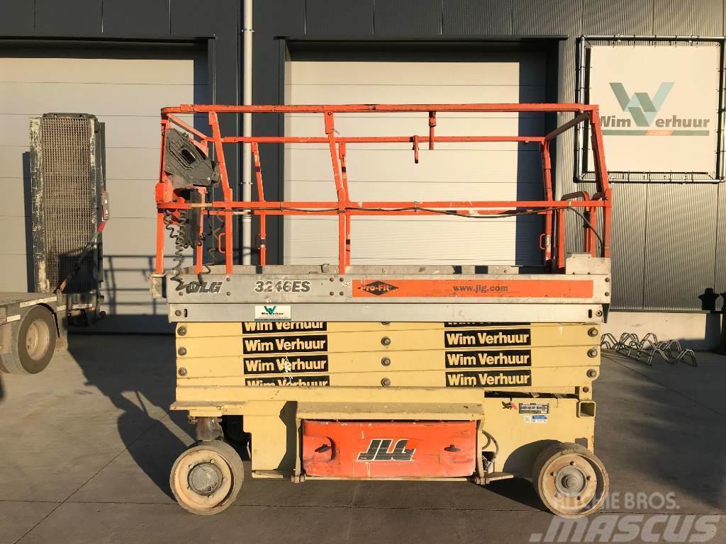 JLG 3246 ES
