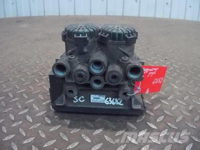 Scania P,G,R series EBS modulator 1879280 1442936 1754940