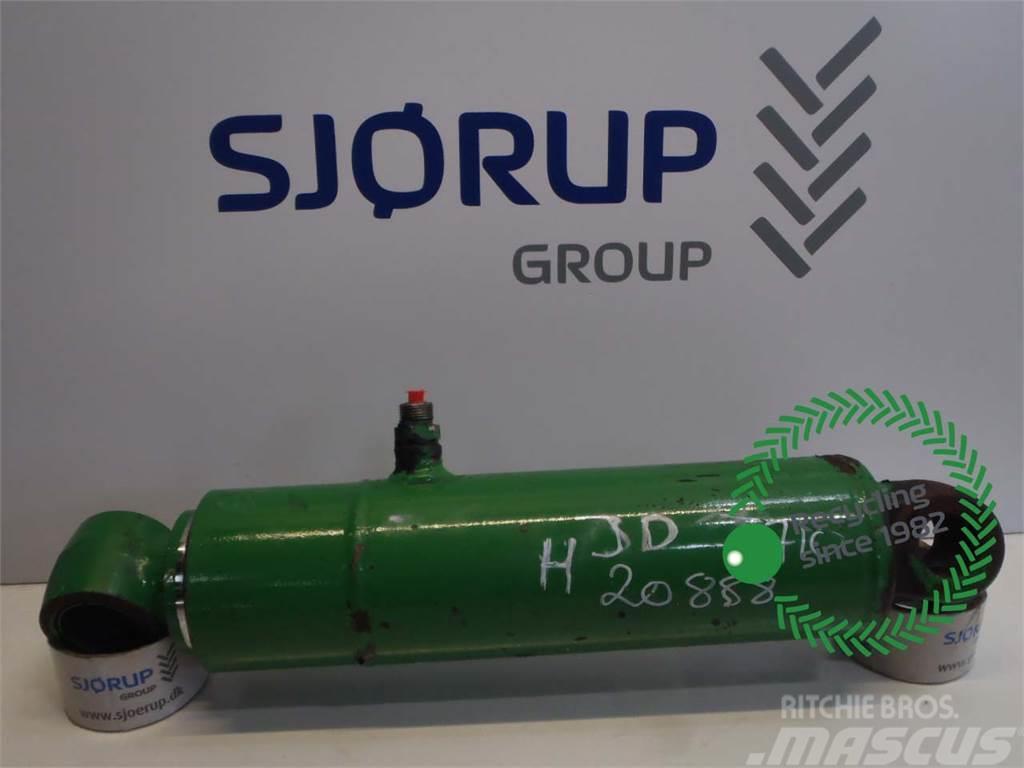 John Deere 7710 Lift Cylinder