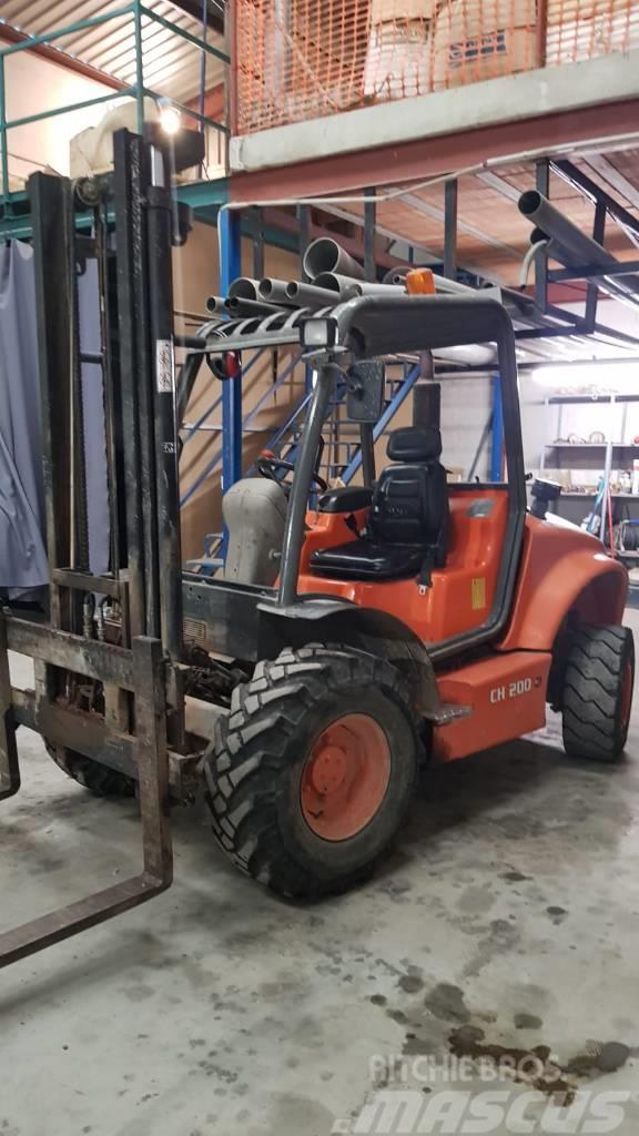 Ausa CH 200 4,5 mts forklift truck 4x4 triplex hyster