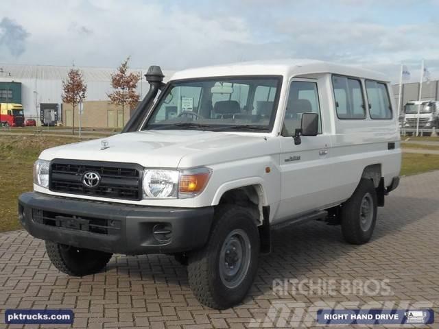 Toyota Land Cruiser HZJ78L