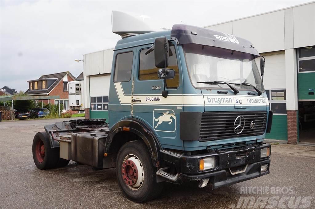 Mercedes-Benz 1628 4X2 / V8