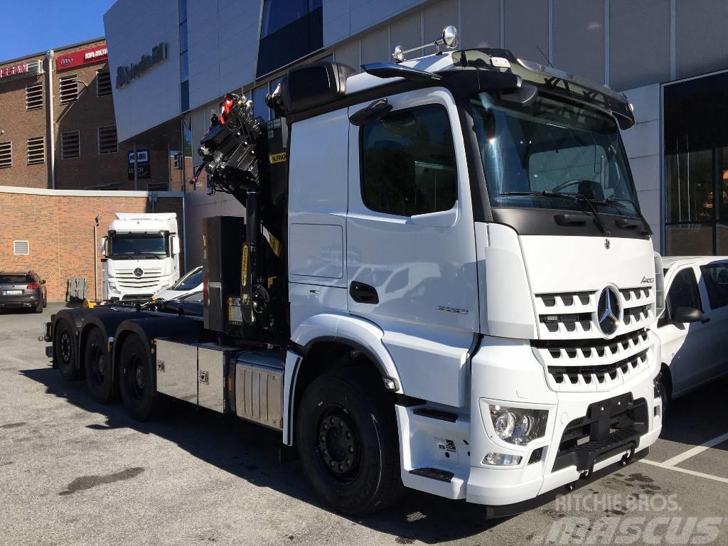 Mercedes-Benz Arocs 3253 8x4  HMF 3220/ JOAB L20 (Inkommande)