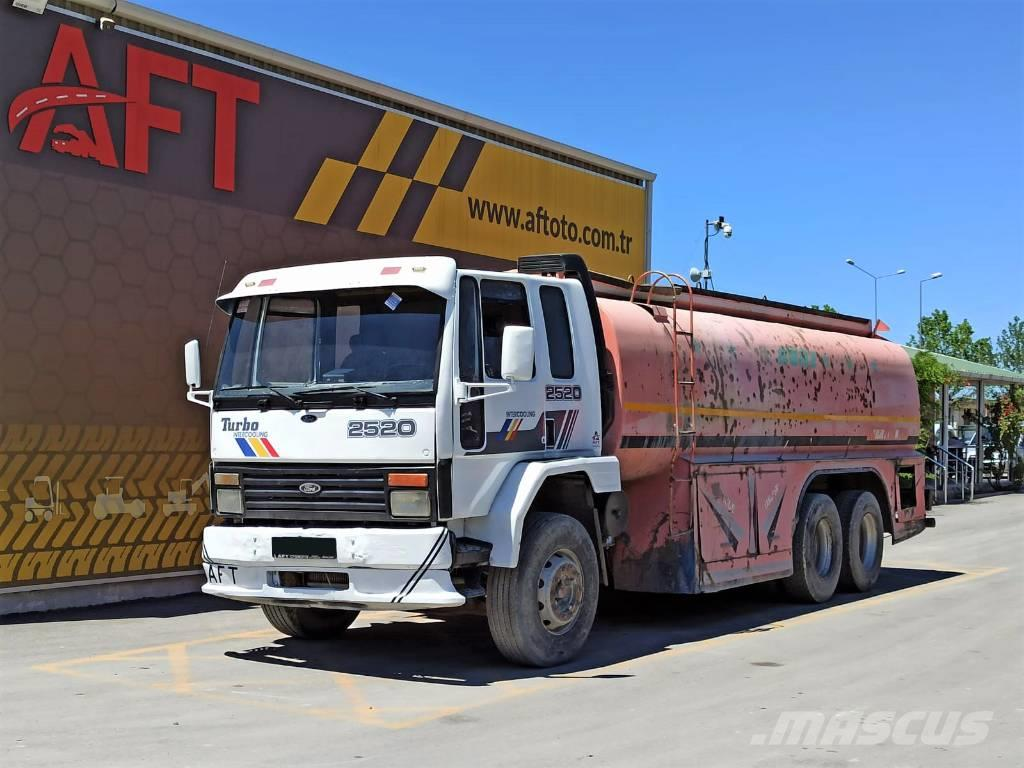Ford 1997 CARGO 2520 WATER TRUCK / TANKER