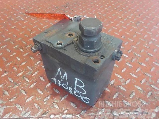 Mercedes-Benz Actros MPIII Cabin tilting pump 15533801