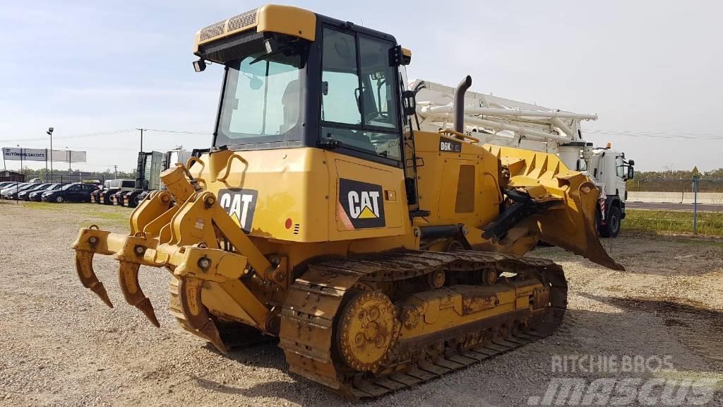 Caterpillar D6K2XL, original 2900 hours, 2015, ripper, 1 owner